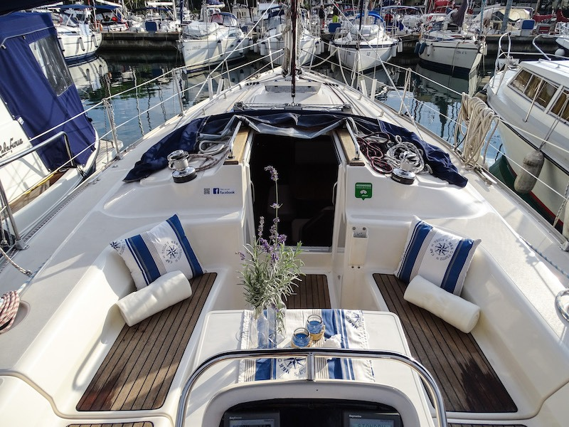 Social Distancing In Croatia - Zadar_Boat_Deck