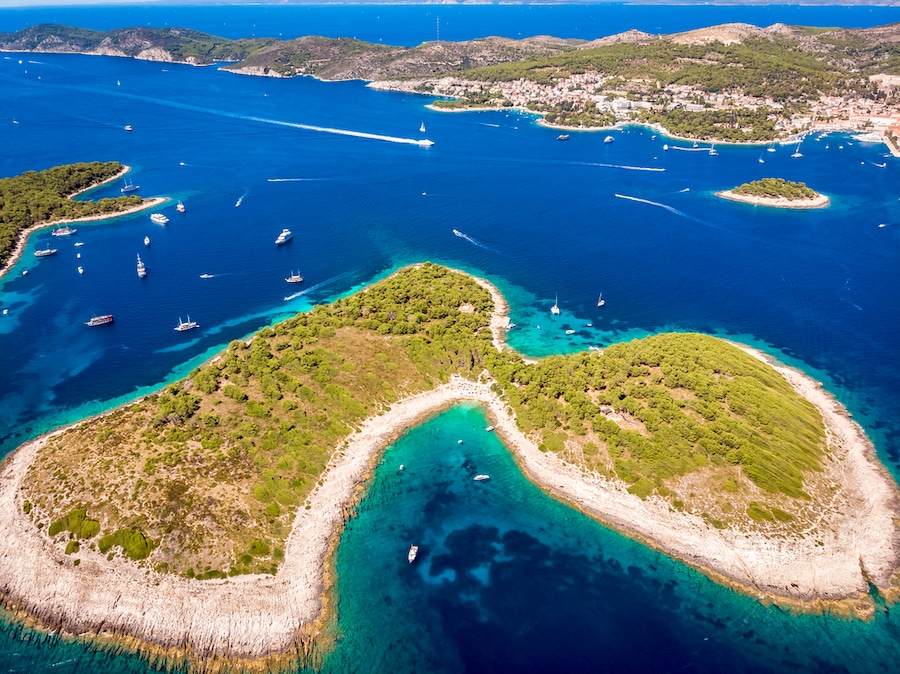 Sailing Croatia Itinerary_Aerial view of Paklinski Islands in Hvar, Croatia