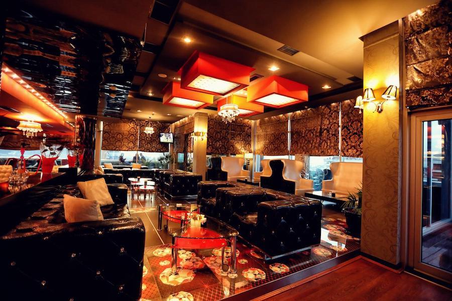 Albania Travel Blog_Where To Stay In Albania_Grand Hotel Europa
