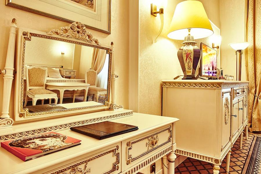 Romania Travel Blog_Where To Stay In Bucharest_Grand Hotel Continental
