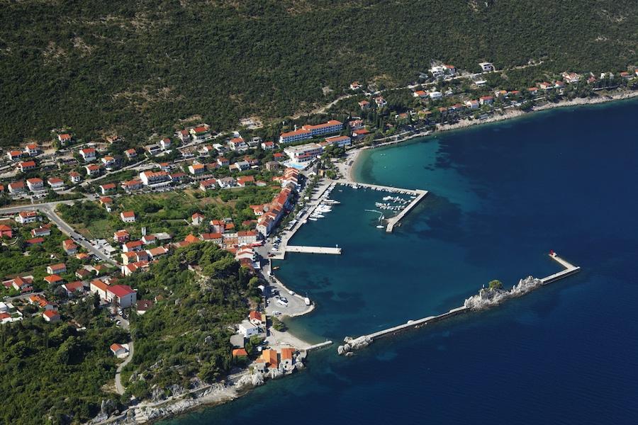 Day Trips From Dubrovnik - The coastline on Peljeac peninsula