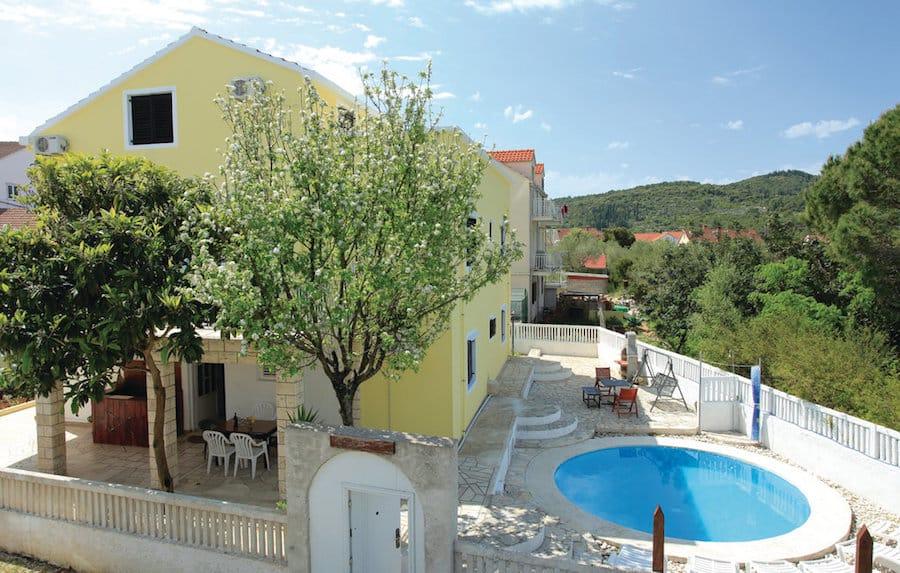 Croatia Travel Blog_Where To Stay In Korcula_Dragan's Den Hostel