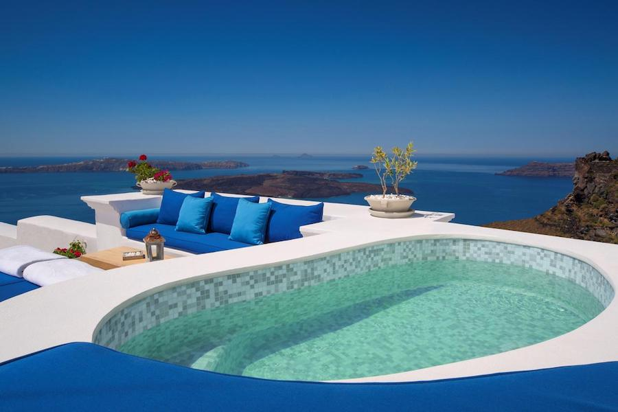 Greece Travel Blog_Best Cave Hotels In Greece_Iconic Santorini Boutique Cave Hotel