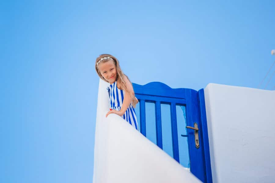 Your Guide To Santorini With Kids (Plus The Pros and Cons List)