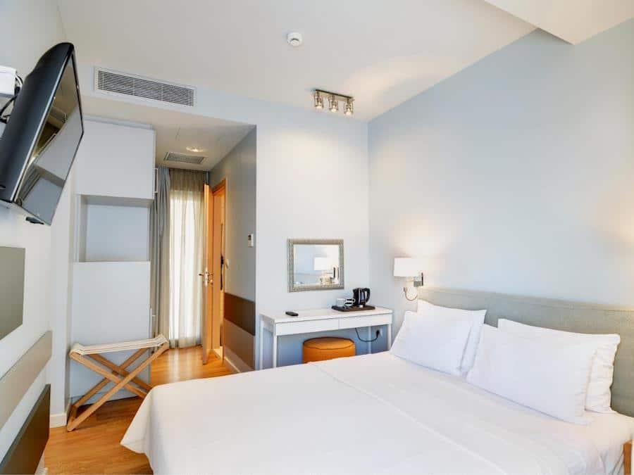 Greece Travel Blog_Best Places To Stay In Athens_Phidias Piraeus Hotel