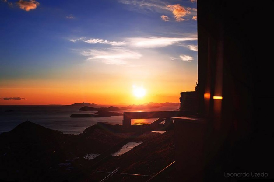 Choosing a sailing route Dubrovnik sunset (Leonardo Uzeda) - Chasing the Dobkey #Croatia